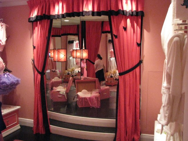 Whimsical Party Location The Eloise Room At The Plaza New York